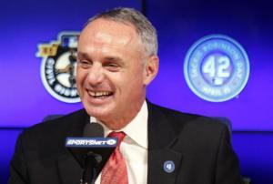 Rob Manfred apuesta por los intercambios con el baseball cubano por su calidad