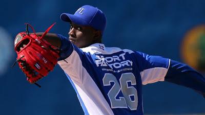 Yadier Alvarez a los Dodgers